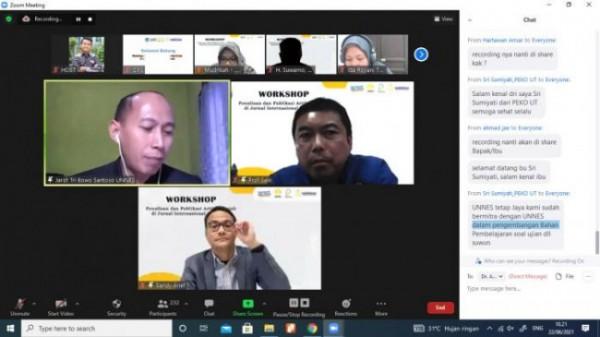 """Suasana saat digelarnya Webinar """"Workshop Publikasi dan Penulisan Artikel Ilmiah di Jurnal Internasional Bereputasi"""" yang diselenggarakan oleh Fakultas Ekonomi Universitas Negeri Semarang (Ist)"""