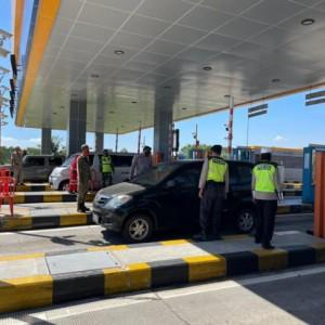 2 Hari Pelaksanaan PPKM Darurat, Polres Malang Putar Balikkan 1112 Kendaraan