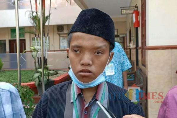 Anang Sutomo ditemui seusai sidang di Pengadilan Kabupaten Kediri. (eko arif s/ Jatimtimes)
