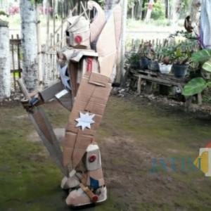 Warga Rojopolo Lumajang Menyulap Kardus Jadi Patung dan Kaya Miniatur