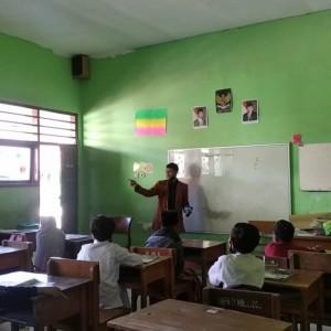 Dukung Program Kampus Mengajar, 8 Mahasiswa Kampus Multikultural Mengajar Langsung di Sekolah
