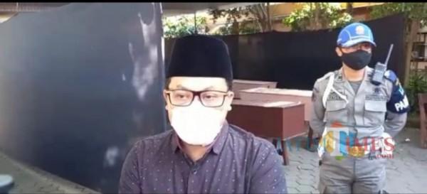 Wali Kota Malang Sutiaji usai meninjau kamar jenazah di Rumah Sakit Saiful Anwar Malang, Minggu (11/7/2021). (Foto: tangkapan layar)