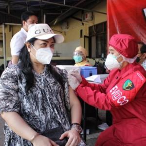 Vaksinasi Massal Hari Pertama di Polresta Malang Kota Diikuti 150 Peserta