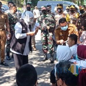 Gubernur Khofifah Resmikan Gerakan Serentak Melawan Covid-19 di Tuban