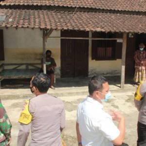 Blusukan ke Desa-desa, Kapolres Blitar Monitoring Warga yang Isolasi Mandiri