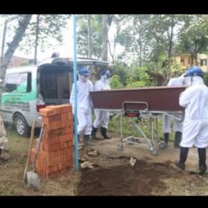 Antrean Tinggi, Pemkot Malang Aktivasi Ketangguhan Pemakaman Mandiri Covid-19