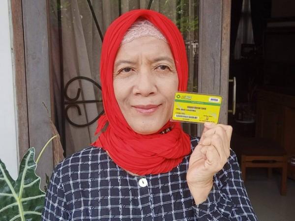 Salah satu peserta JKN-KIS asal Kecamatan Lawang, Kabupaten Malang yakni Budi Agustin. (Foto: BPJS Kesehatan Malang)