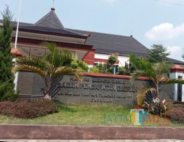 Kantor Bapenda Kabupaten Madiun. (Foto: Dodik Eko P/ JatimTIMES)
