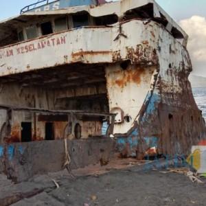 Nasib Kapal LCT Putri Sritanjung Dipertanyakan, Pemkab Banyuwangi Sebut Masih Proses Pendampingan Hukum