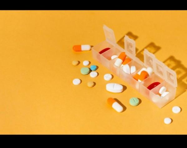 Ilustrasi obat-obatan. (Foto: Freepik).