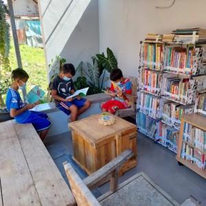 Kisah Inspiratif Kepala Desa di Kabupaten Malang, Tumbuhkan Literasi Melalui Taman Baca Lentera Ilmu