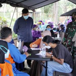 Bersama Forkopimda, Kapolres Kediri Kota Cek Vaksinasi Masal