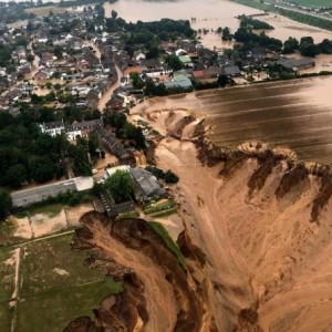 Banjir Bandang di Eropa Tewaskan Ratusan Orang