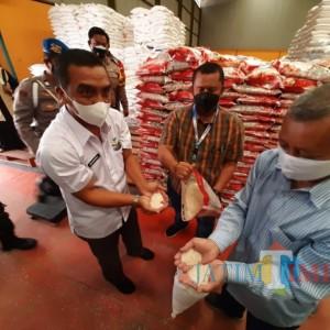 Bulog Kediri Salurkan 2.745 Ton Tambahan Bantuan Beras PPKM 2021