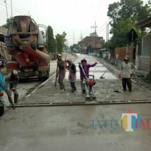 Permudah Akses Masyarakat, Pemkab Kediri Terus Lakukan Pembangunan Infrastruktur Jalan