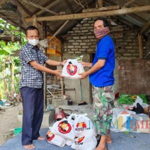 Jelang Idul Adha, Warga Bangkalan Dapat Bantuan Sembako dari Ketua Banggar DPR RI Said Abdullah