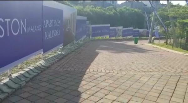 Area apartemen The Kalindra yang telah ditutup, tanda akan segera dibangun (foto: The Kalindra)