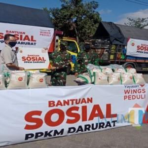 Ratusan Ton Beras Diterima TNI untuk Disalurkan ke Warga Terdampak PPKM Darurat