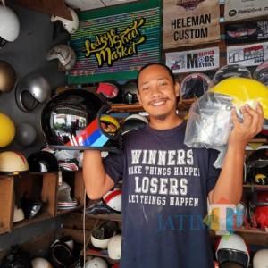 Bermula Dari Rongsokan, Pemuda ini Sukses Miliki Pelanggan Restorasi Helm di Seluruh Indonesia