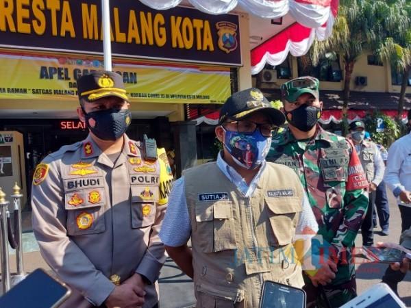 Wali Kota Malang Sutiaji usai memimpin apel di Mapolresta Malang Kota, Rabu (21/7/2021). (Foto: Tubagus Achmad/MalangTIMES)
