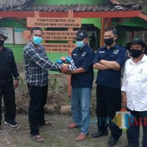 SEKAR Perhutani DPD Ngawi Bagikan Suplemen kepada Karyawan dan Petugas Lapangan