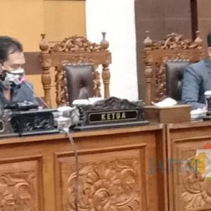 Bupati Banyuwangi Sampaikan Nota Pengantar 4 Ranperda di Rapat Paripurna DPRD