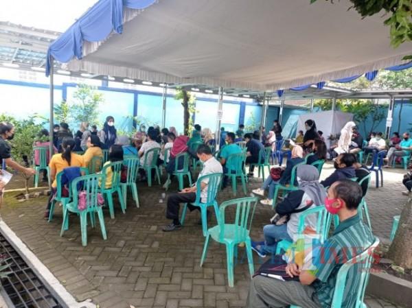 Vaksinasi Covid-19 saat dilakukan di Kecamatan Tumpang (foto: Hendra Saputra/MalangTIMES)