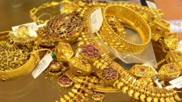 Setumpuk perhiasan emas. (istimewa)
