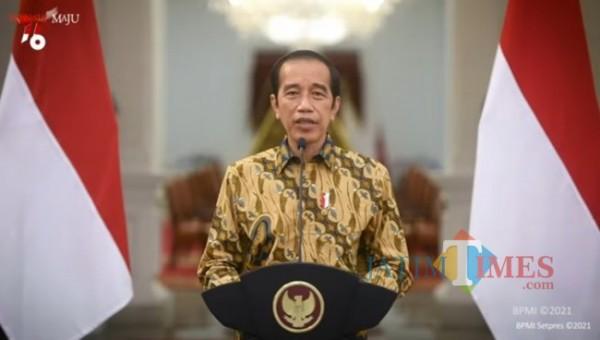 Presiden RI Joko Widodo saat menyampaikan perpanjangan PPKM Level 4, Minggu (25/7/2021). (Foto: YouTube Sekretariat Presiden)