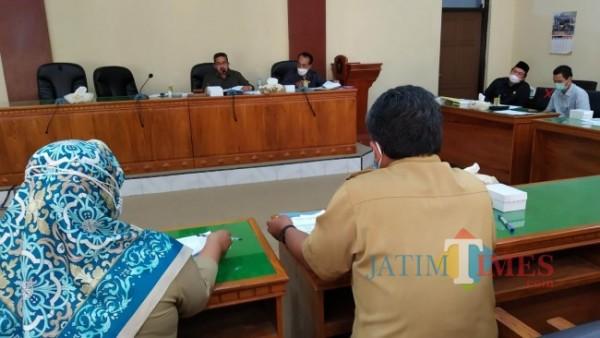 Suasana rapat Komisi III DPRD Trenggalek bersama OPD Mitra