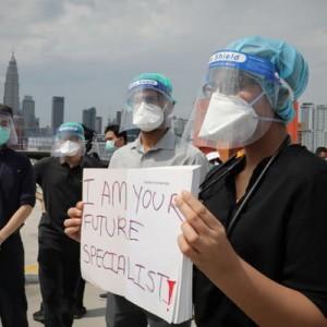 Kasus Covid-19 Mengganas, Ratusan Dokter di Malaysia Mogok Kerja