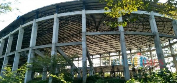 Gelanggang Olahraga (GOR) Kanjuruhan yang saat ini pembangunannya mangkrak. (foto: Hendra Saputra/MalangTIMES)