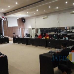 HMI Bondowoso Desak Pemkab Kembali Izinkan PKL Berjualan di Alun-Alun