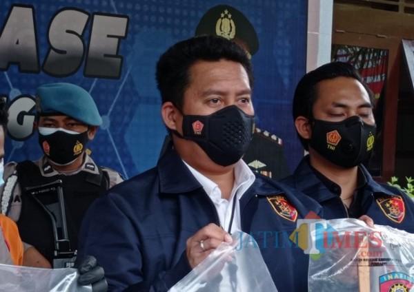 Kasat Reskrim Polres Malang AKP Donny K. Bara'langi (foto: Hendra Saputra/MalangTIMES)