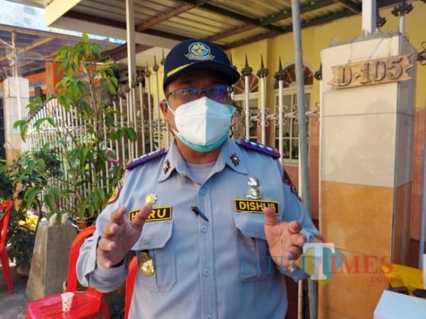 Kepala Dinas Perhubungan Kota Malang Heru Mulyono ketika ditemui MalangTIMES.com, Selasa (27/7/2021). (Foto: Tubagus Achmad/MalangTIMES)