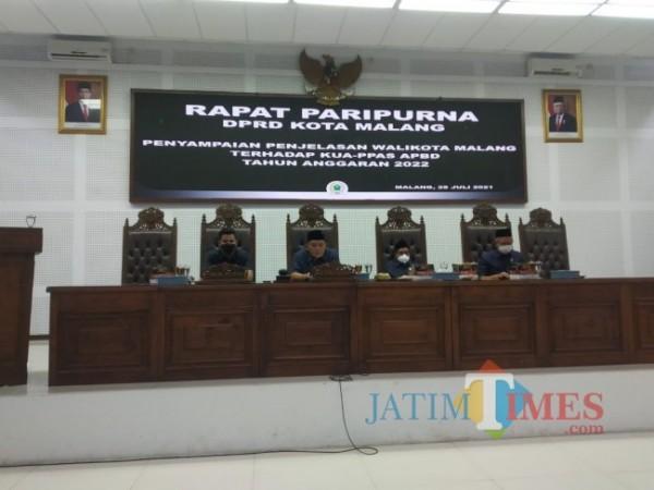 Rapat Paripurna DPRD Kota Malang, Rabu (28/7/2021). (Ahmad Amin/MalangTIMES).