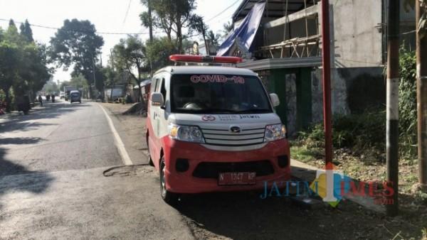 Salah satu mobil ambulans untuk jenazah milik Pemkot Batu. (Foto: Irsya Richa/MalangTIMES)