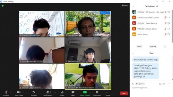 M 'Anin Nabail 'Azhiim, pelajar asal MAN 2 Malang sempat membanggakan Indonesia, maka mengikuti pembinaan daring (kanan bawah) (Ist)