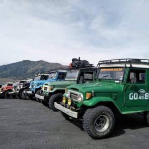 Jaga Dapur Tetap Ngebul, Sopir Jip Gunung Bromo Banting Setir Bikin Tusuk Sate