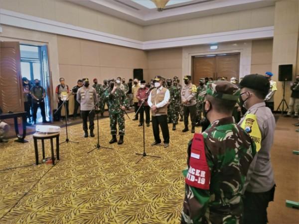Panglima TNI Marsekal Hadi Tjahanto ketika memberikan arahan kepada perwakilan Babinsa dan Bhabinkamtibmas di Malang.