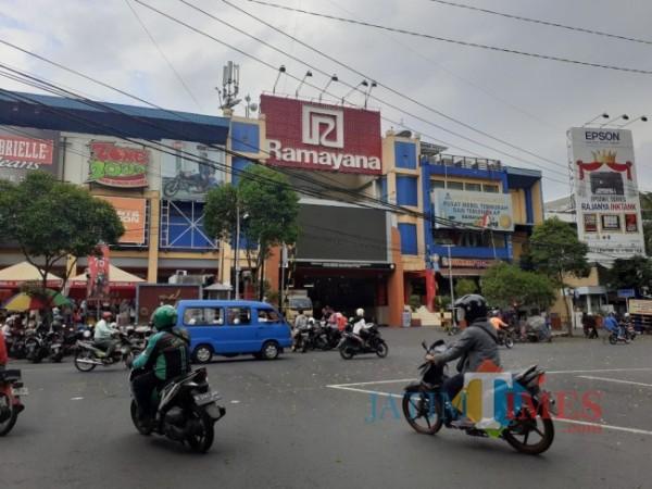 Alun-Alun Mal (Mal Ramayana) yang bakal digunakan sebagai Mal Pelayanan Publik (MPP) Kota Malang. (Arifina Cahyanti Firdausi/MalangTIMES).