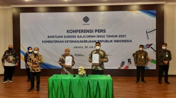Pemerintah kembali salurkan BSU kepada pekerja patuh kepesertaan Jamsostek.(Foto : Humas BPJAMSOSTEK for BlitarTIMES)