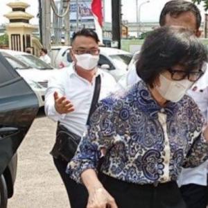 Kondisi Kesehatan Putri Akidi Tio Dikabarkan Drop, Rumahnya Didatangi Ambulans