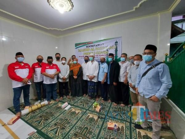 Komunitas Malang yang menggelar kegiatan sosial di Masjid Al Fattah Ali (Doc MalangTIMES)