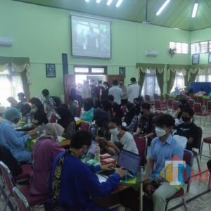 1000 Pelajar SMAN 2 Kota Malang Jalani Vaksinasi, Siswa Sempat Deg-Degan