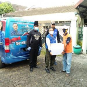 Peduli Pasien Isoman Covid-19, DPC Demokrat Kota Malang Bagikan Bingkisan