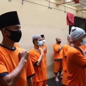 Tumbuhkan Nasionalisme, Tahanan Polres Malang Setiap Hari Wajib Lakukan Ini