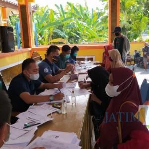 BNI Distribusikan KKS Tambahan Penerima BPNT di Kecamatan Senori Tuban