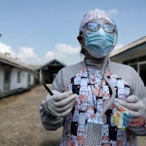 Dokter Tiwi Tak Segan Beri Pelayanan Gratis bagi Warga Miskin