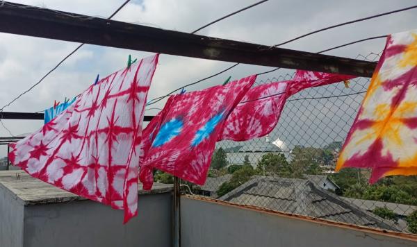 Batik yang dihasilkan dari proses pelatihan (Foto: Dokumentasi tim PMM Mitra Dosen UMM).